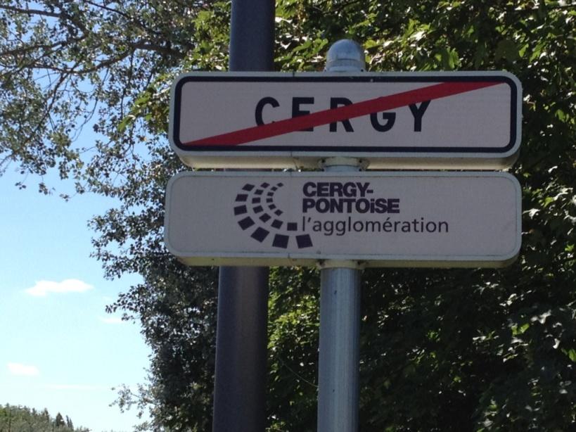 """""""Cergy, c'est fini"""" (air connu)"""
