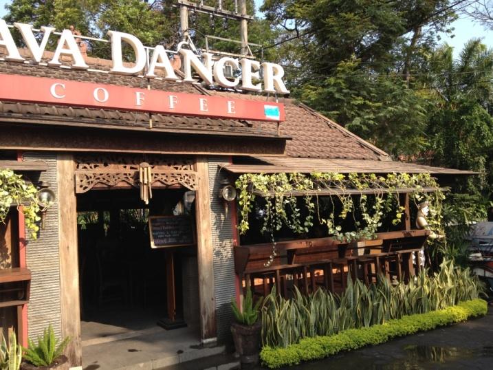 """Le """"Java Dancer"""" : un super café (la déco, le cheeseburger et le tiramisu sont top)... mais sans alcool !"""