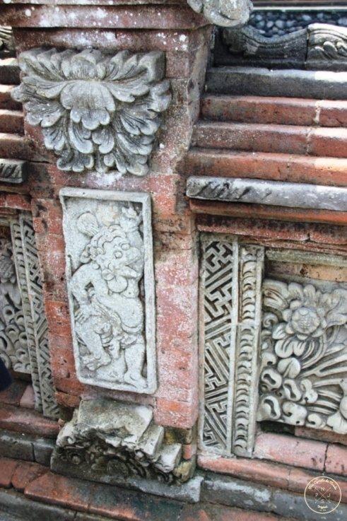 Tirta Empul temple - Svastika